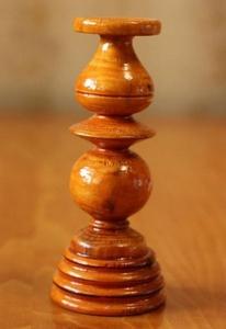 Деревянный подсвечник для тонкой церковной свечи, отличный подарок - Изображение #1, Объявление #1676985