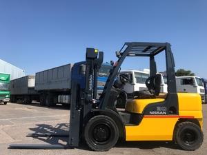 Дизельный погрузчик навантажувач Nissan на 3 тонны с позиционером вил - Изображение #1, Объявление #1696552