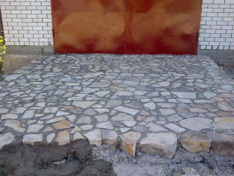 Как выложить камень во дворе своими руками
