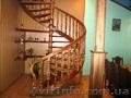 Продаём,  изготавливаем деревянные лестницы