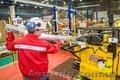 Работники на автозавод Hydro Extrusion Poland (Польша)